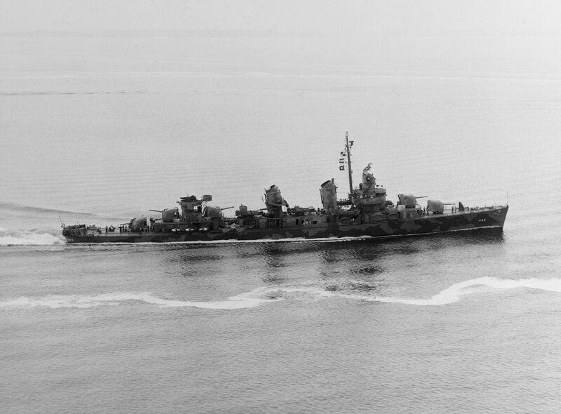 USS_Fletcher_%28DD-445%29_off_New_York%2