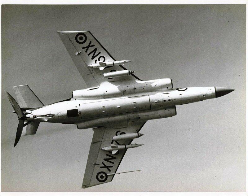 Jet & Prop by FalkeEins: Blackburn Buccaneer S.2B XN 976 and Buccaneer S.1  XK 523 1960 - ebay photo find #95