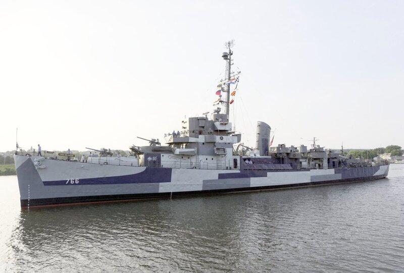 USS-Slater-2015_3048bc3b-5056-a36a-0bcf9