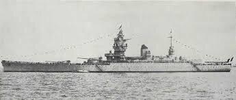 Side view of battleship Strasbourg | Battleship, Navy ships, Naval ...