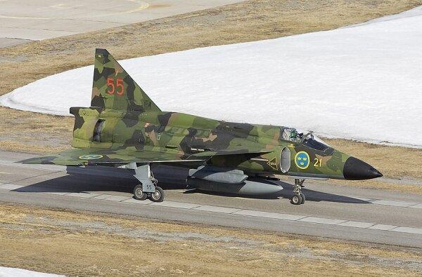aj37-viggen-with-splinter-pattern-camouflage-www-dappa-nl.jpg?w=600