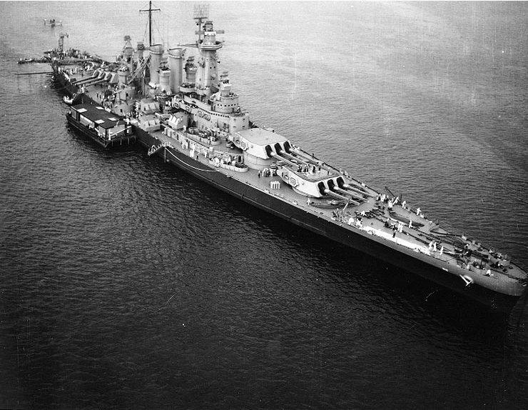 USS_Washington_(BB-56)_off_New_York_City
