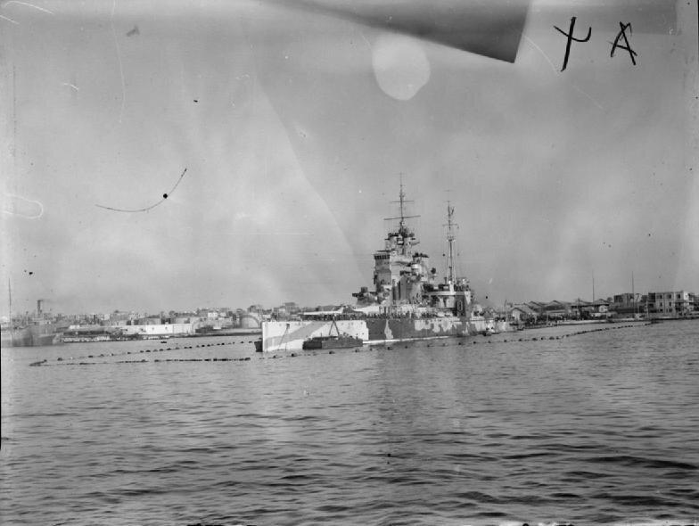 HMS_Queen_Elizabeth_after_the_modernisat