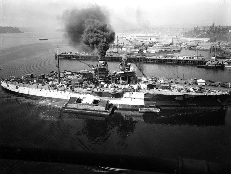 USS_Utah_%28AG-16%29_being_painted_at_Puget_Sound_1941.jpg