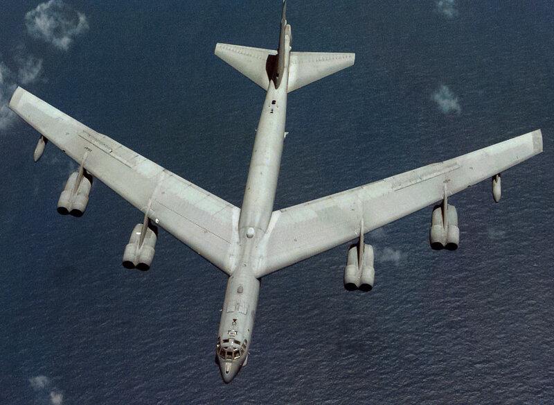Boeing_B-52H_Aspect_ratio.jpg