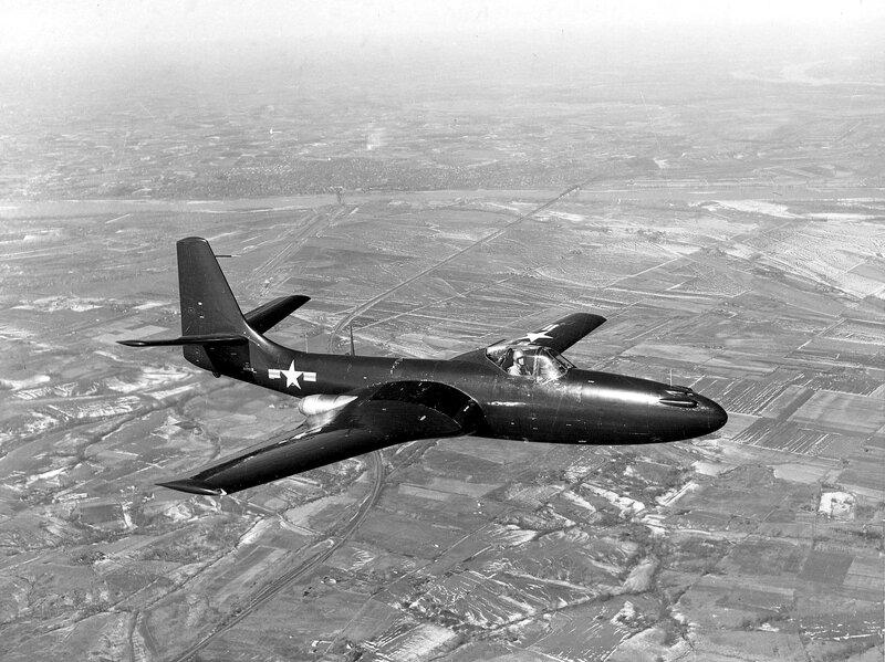 FH-1_Phantom_in_flight_in_February_1948.