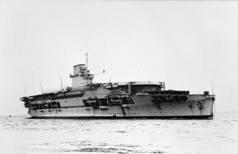 HMS_Courageous_(50).jpg