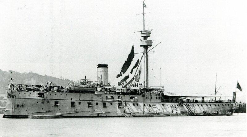 Japanese_cruiser_Matsushima_1896.jpg