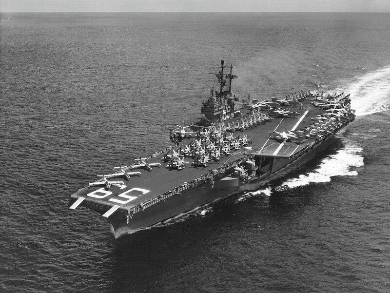 USS_Forrestal_(CVA-59)_underway_at_sea_i