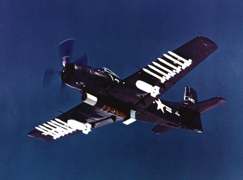 Douglas_AD-2_Skyraider_in_flight_during_