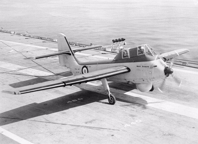 Short_Seamew_landing_on_HMS_Bulwark_%28R08%29_1955.jpg
