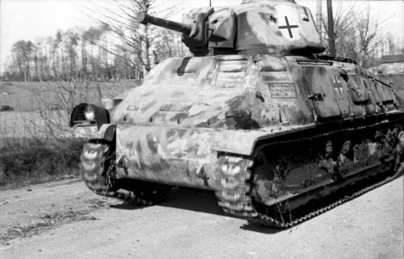 Bundesarchiv_Bild_101I-300-1858-35A%2C_Frankreich-Belgien%2C_Panzer_Somua_S35.jpg