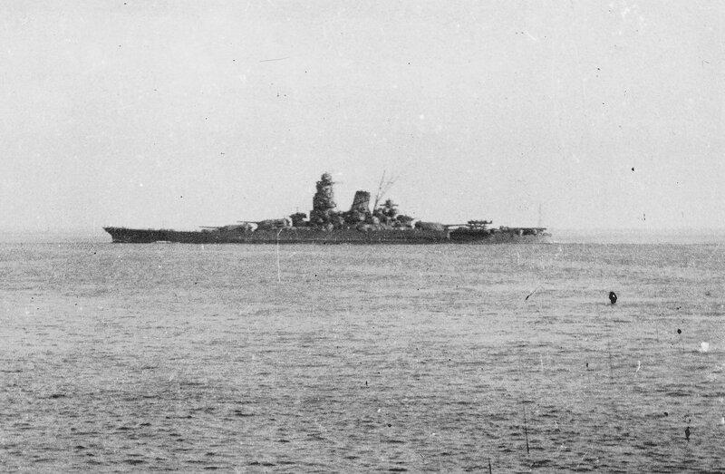 1920px-Japanese_battleship_Musashi_underway_in_1944_%28NH_63473%29.jpg