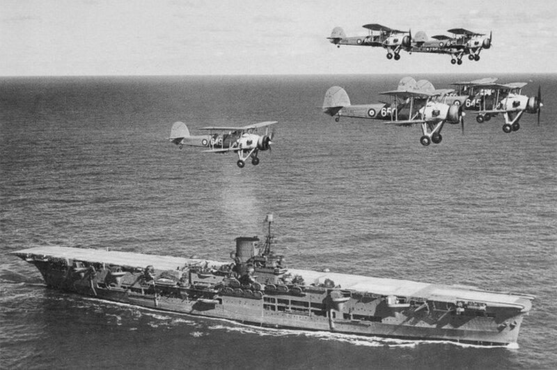 1920px-HMS_Ark_Royal_h85716.jpg