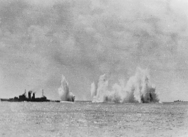 640px-Battle_of_Java_Sea_-_HMS_Exeter_un