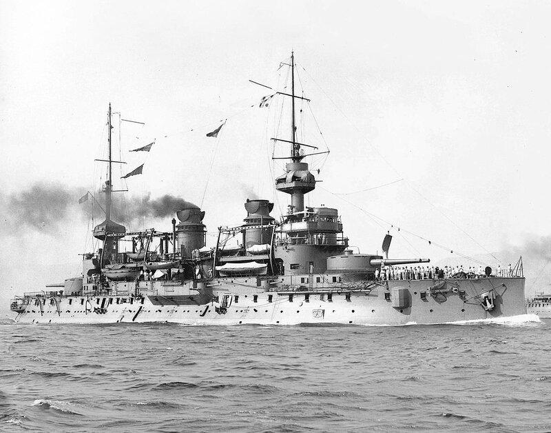 1200px-French_battleship_Gaulois_(1896).