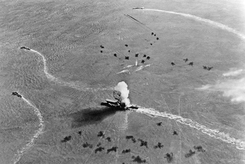 80G-701882-CV-5-Hit-by-Torpedo-14-45.jpg